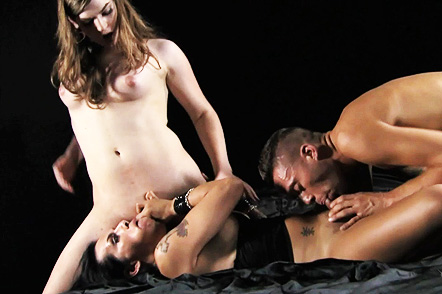 Threesome with foxxy and levi Hot Tiffany fucks in a dirty 3some.